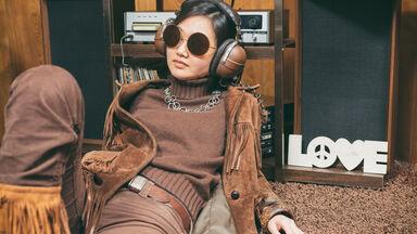 retro girl 1970s slang example