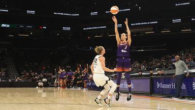 Basketball Players Diana Taurasi