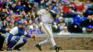 BaBarry Bonds Pittsburgh Pirates swings 1992 at Wrigley Field in Chicago