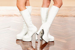 Platform shoes were in fashion in the 90s.