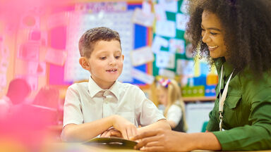 Using reading comprehension strategies with student
