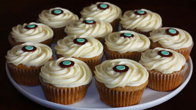 Plate of xylocarp cup cakes