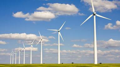 Renewable energy example Wind turbines on the plains