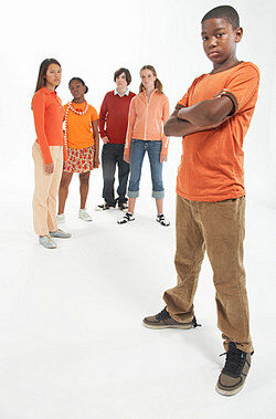 Teenagers standing together as examples of identity diffusion