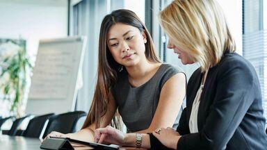 professional women discuss recommendation