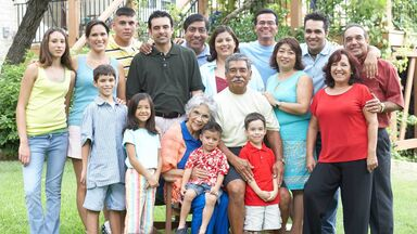spanish family group photo