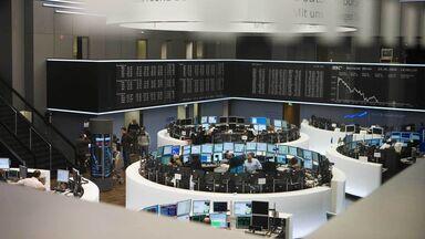 economic institutions example stock exchange trading floor