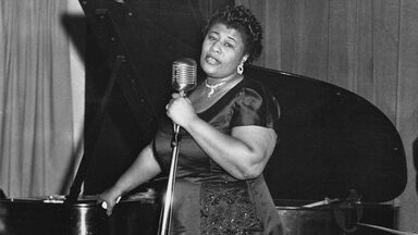 Ella Fitzgerald performs on stage 1955