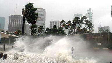 hurricane irma storm striking miami, florida