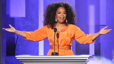 Oprah Winfrey at the 2014 45th NAACP Image Awards