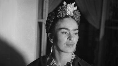 Frida Kahlo portrait 1939