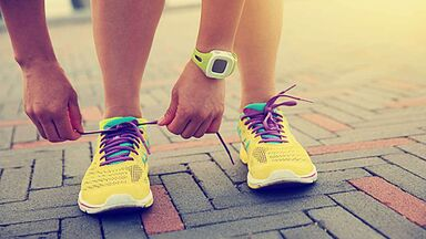 runner tie shoe laces as example implicit memory