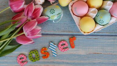 Easter symbol meaning eggs tulips