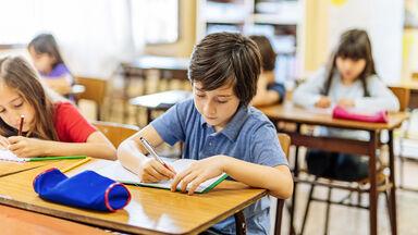 elementary class students noun quiz