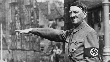 Adolf Hitler Platz Nazi salute